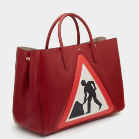 ebury-maxi-featherweight-men-at-work-in-red-capra-2
